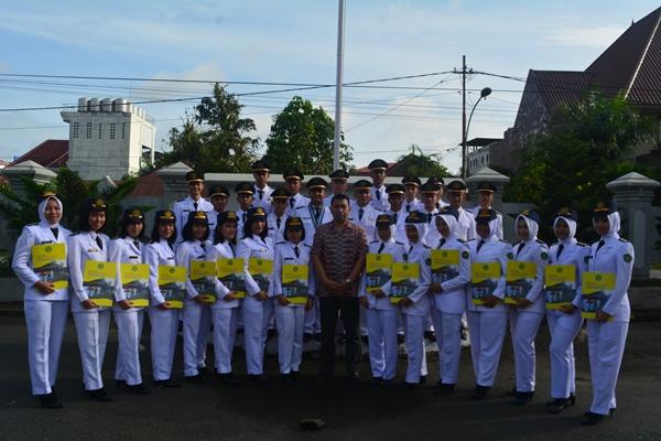 Upacara Pelepasan Angkatan 2014 (10) Kepada Badan Kepegawaian Daerah (BKD) Masing – Masing