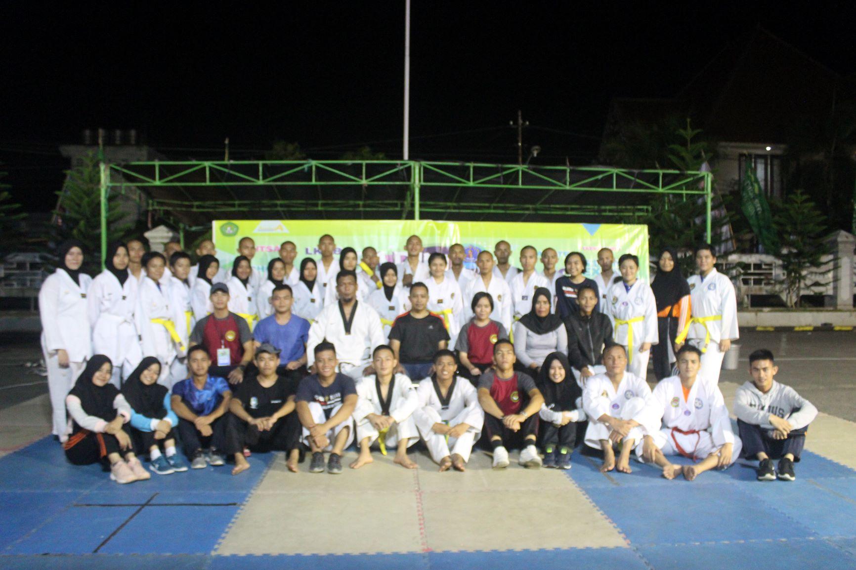 """Perlombaan Taekwondo """" Gemilang 14 """""""